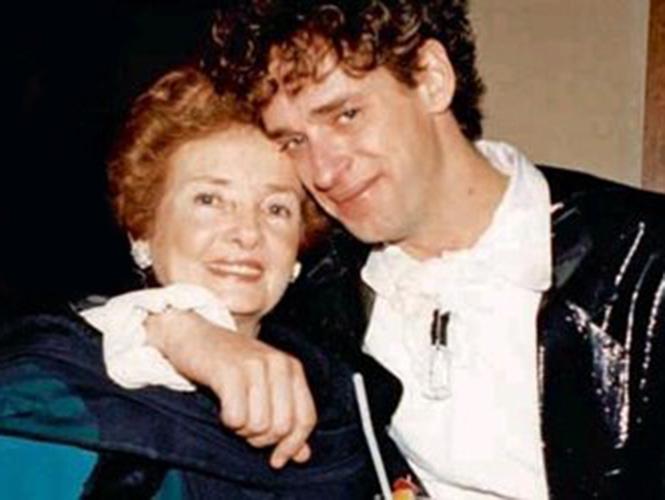 Gustavo y su madre Lilian Clarck