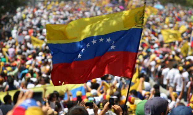 Bandera-Venezuela-624x372