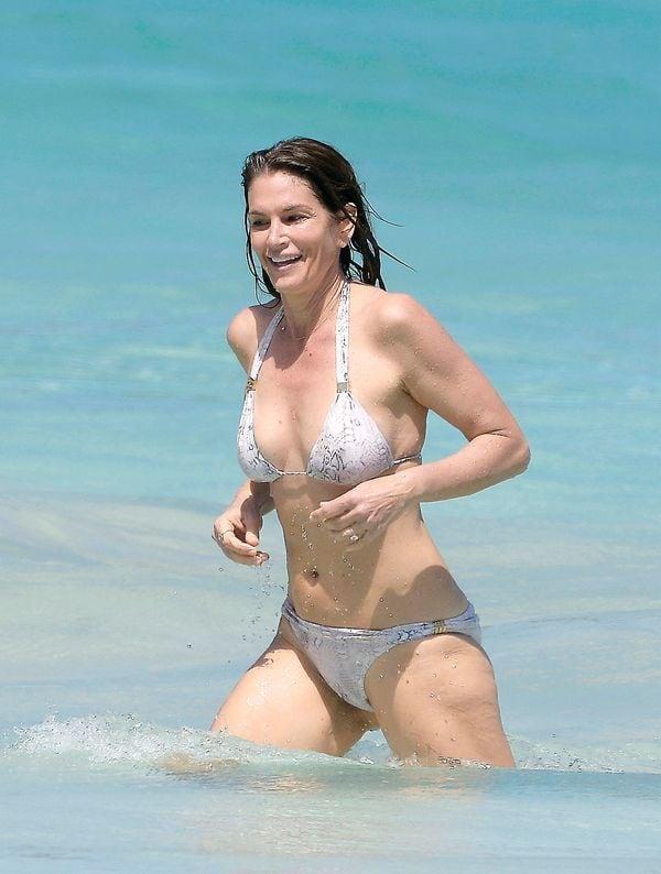 cindy-crawford-bikini2