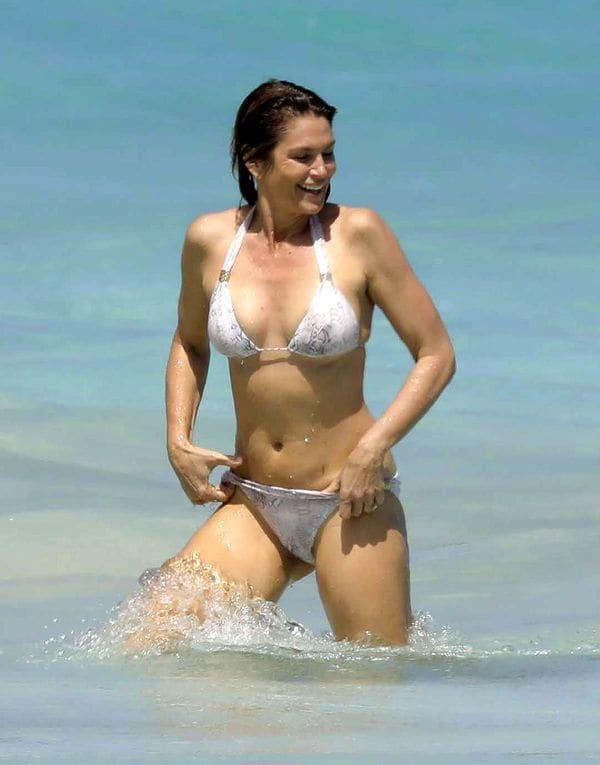 cindy-crawford-bikini3