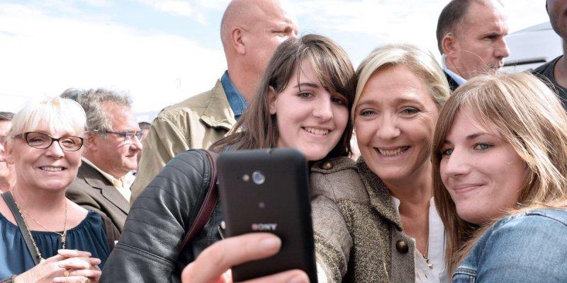 un-jeune-electeur-sur-trois-a-vote-pour-le-front-national_3432284_800x400