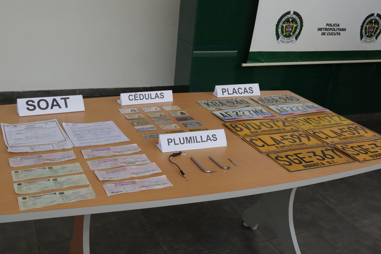 Rueda de Prensa captura y entrega de vehículos recuperados por la Policía (11)