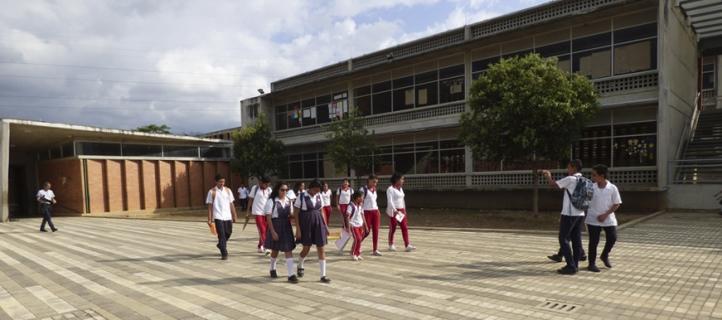 contrato-vigilancia-escolar-Secop-puntos-vive-digital-escolares-coleegios-estudiantes-